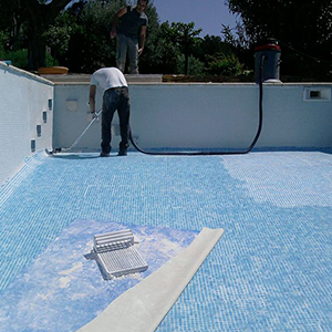 Entretien piscine tunisie local technique refection for Maintenance piscine